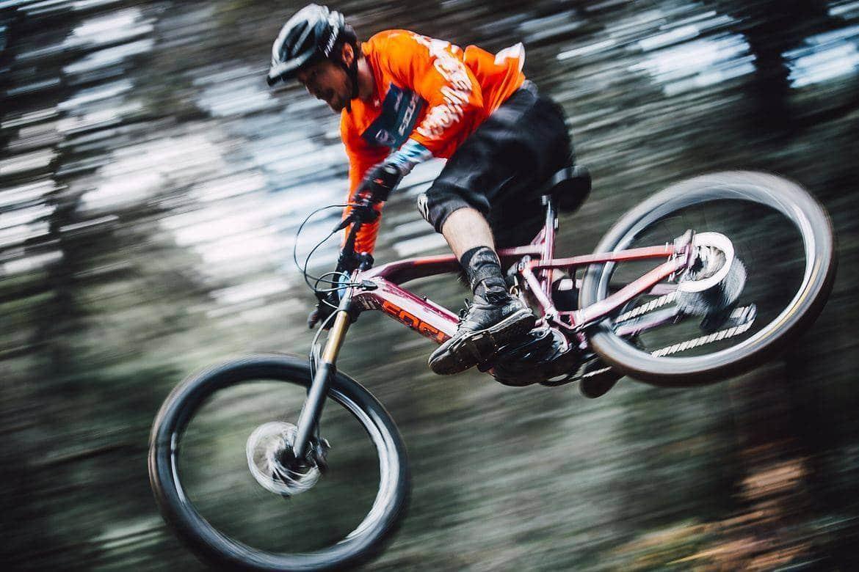 avantages vélo électrique de descente