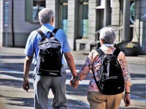 Quels types d'assistance faut-il pour les personnes âgées?